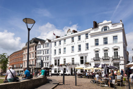 Fire destroys England's reportedly oldest hotel