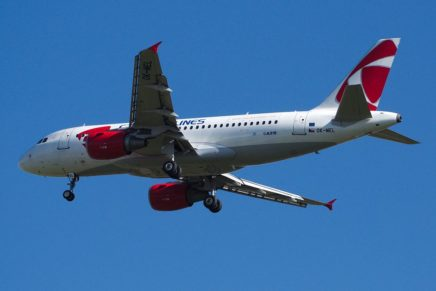 Boeing, SpiceJet announce deal for up to 205 airplanes