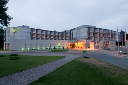 IHG and VHM sign deal on Holiday Inn Warsaw West Station